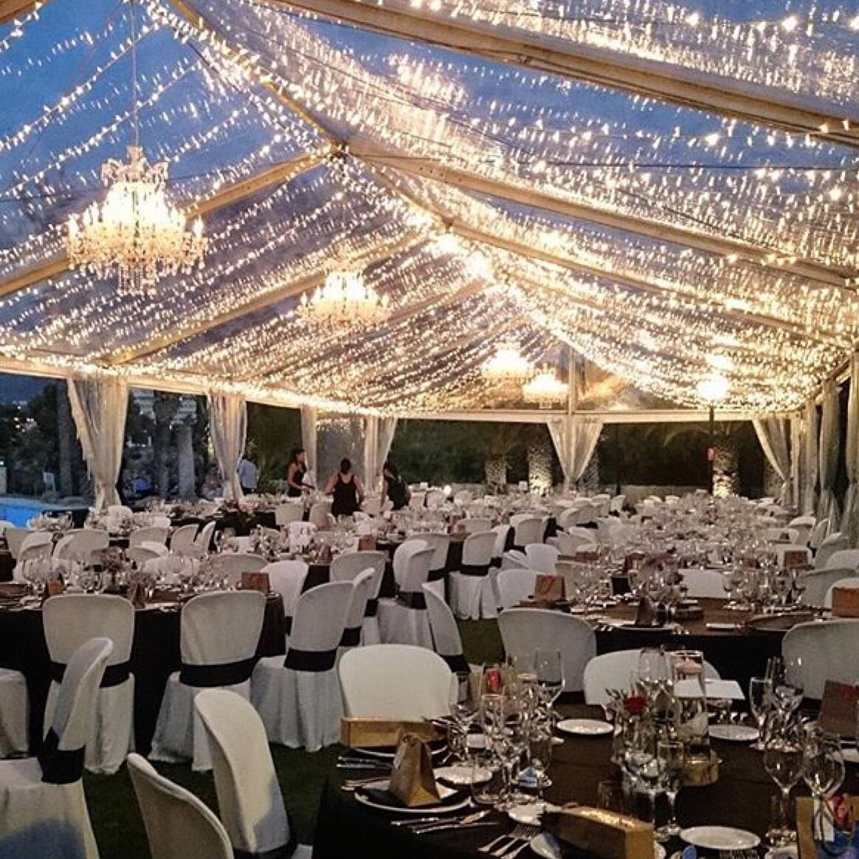 Kristall kronleuchter als beleuchtung und dekoration in for Party deko mieten
